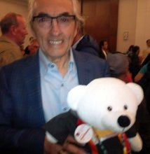 Phil Fontaine with Spirit Bear at release of TRC report (June 2, 2015)