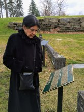 Alanis Obomsawin at the P.H. Bryce plaque in 2015